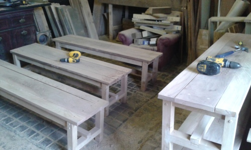 OAK AND ELM FREESTANDING BENCHES